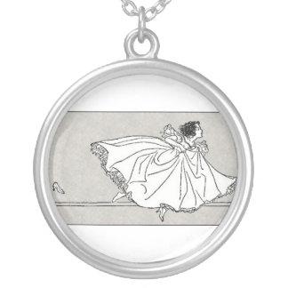 Cinderella och hon skor silverpläterat halsband