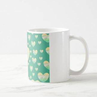 Cirkla av hjärtor kaffemugg