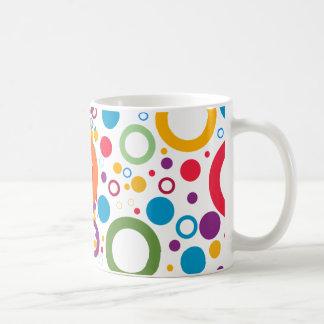 Cirklar av färger kaffemugg