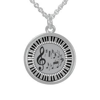 Cirkulärpianonycklar och musik noter sterling silver halsband