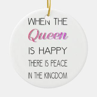 Citera, när drottningen är lycklig - roligt rund julgransprydnad i keramik
