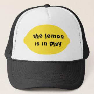 Citronen är i lekhatt truckerkeps