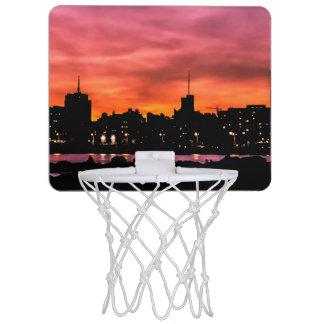 Cityscapesolnedgångplats, Montevideo, Uruguay Mini-Basketkorg