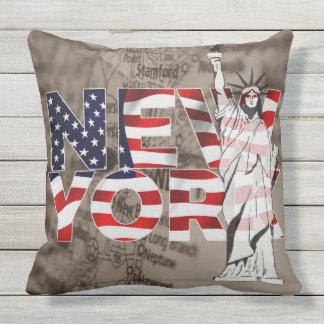 Collage för frihet för New York flaggakarta Kudde
