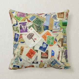 Collage för portofrimärket reser dekorativ kudde