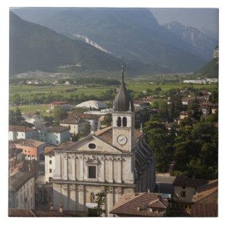 College- kyrka i morgon, Arco, Trento Kakelplatta
