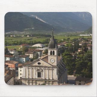 College- kyrka i morgon, Arco, Trento Musmattor
