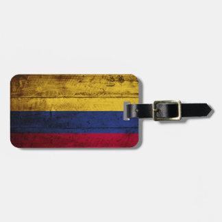 Colombia flagga på gammalt Wood korn Bagagebricka