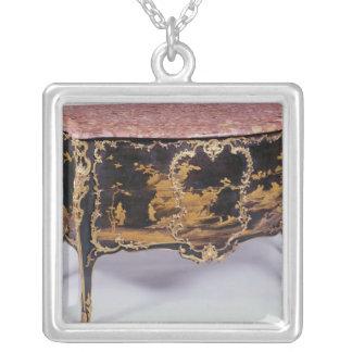 Commode fransk, mitt- 18th århundrade silverpläterat halsband