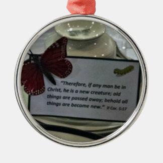 Cor 2. 5:17 därför, om några bemannar, är i julgransprydnad metall
