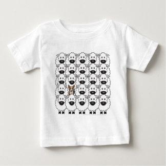 Corgi i fåren t-shirts