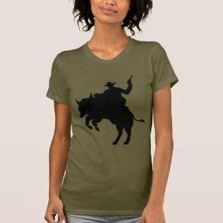 Cowboy som rider en buffel tröjor