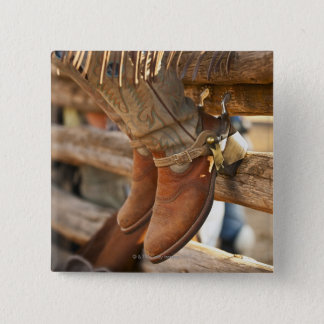 Cowboykängor på staket 2 standard kanpp fyrkantig 5.1 cm