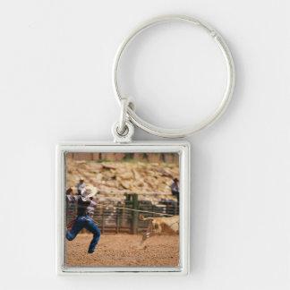 Cowboytågvirkekalv i rodeo fyrkantig silverfärgad nyckelring