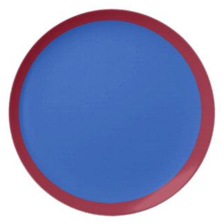 Cranberryen och blåbäret pläterar tallrik