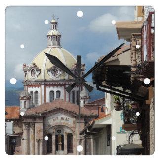 Cuenca Ecuador - Iglesia de San Blas Fyrkantig Klocka