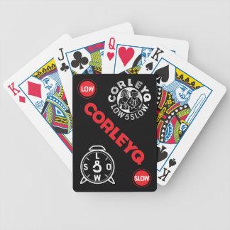 Cykel som leker kort med CorleyQ logotyper Spelkort