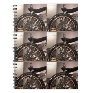 Cykla cykelkonst som den grafiska decomallen anteckningsbok med spiral