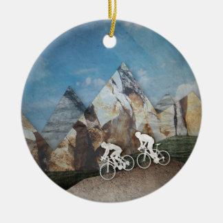 Cykla för berg julgransprydnad keramik