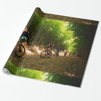 Cykla i bambuslinga presentpapper