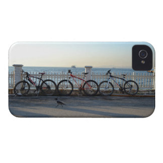Cyklar & kråka iPhone 4 Case-Mate fodral
