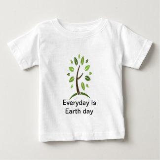 Daglig är jorddagbebiset t shirt