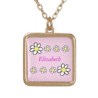 Daisy på en rosa bakgrund guldpläterat halsband
