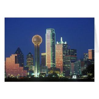 'Dallas, TX-horisont på natten med mötet Tower Hälsningskort