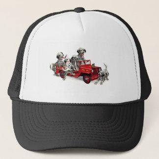 Dalmatian valper med avfyrar lastbilen keps