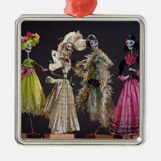 Damer av day of the dead, från Oaxaca Julgransprydnad Metall