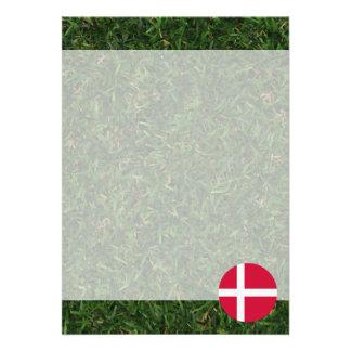Danmark flagga på gräs 12,7 x 17,8 cm inbjudningskort
