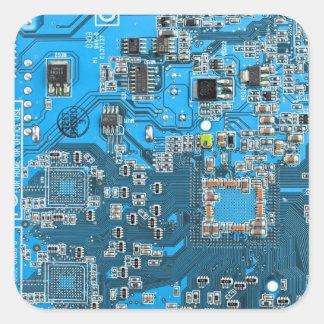 Datorgeeken går runt stiger ombord - blått fyrkantigt klistermärke