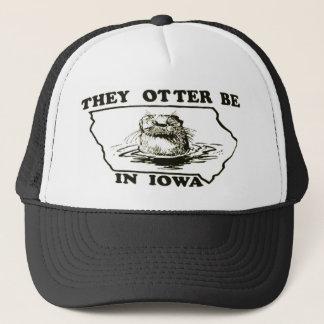 De är uttern i Iowa kopplar ihop truckerkepslocket Truckerkeps