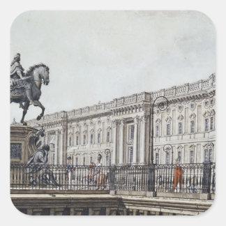 De långa överbryggar med en aristokratisk monument fyrkantigt klistermärke