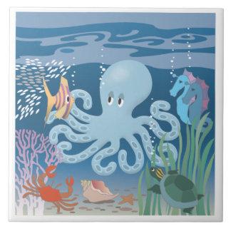 De stora keramiska för bläckfisk belägger med tege stor kakelplatta