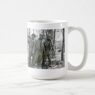 De tre soldaterna kaffemugg