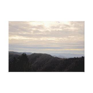 De underbara rökiga bergen - Tennessee Canvastryck