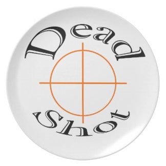 Dead skjuten vit pläterar tallrik