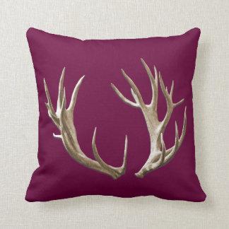 Dekorativ kudde för hjorthorn på kronhjortBurgundy