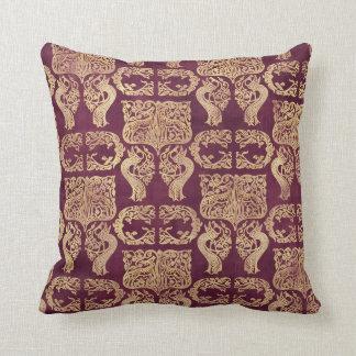 Dekorativ kunglig lila- & gulddekorativ kudde