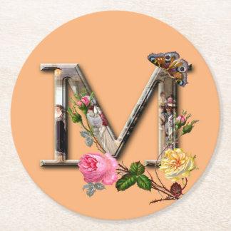 """Dekorativt brev initialt """"M"""", Underlägg Papper Rund"""