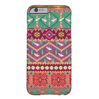 Dekorativt färgrikt mönster i aztec stil barely there iPhone 6 skal