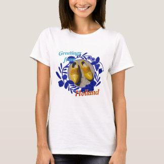 Delftware mönster och träskohälsningar från t-shirts