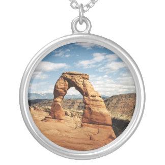 Delikat båge, bågar nationalpark, Utah Silverpläterat Halsband