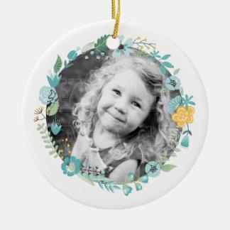 Delikat blom- kran för personligfoto rund julgransprydnad i keramik