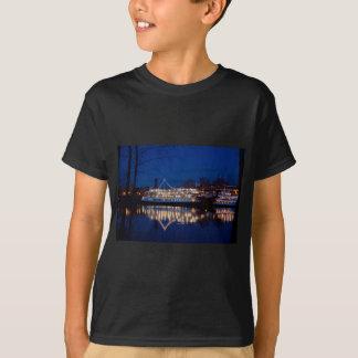 Deltakungen på natten - Sacramento, CA Tee Shirts