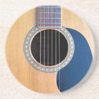 Den akustiska gitarren Dreadnought 6 stränger Dryck Underlägg