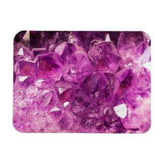 Den Amethyst gemstonen avbildar skina och Sparkly Magnet