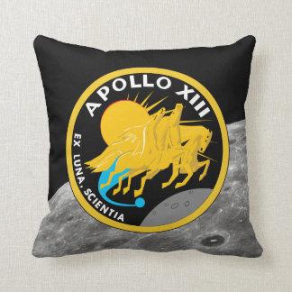 Den Apollo 13 NASA-beskickningen lappar logotypen Kudde