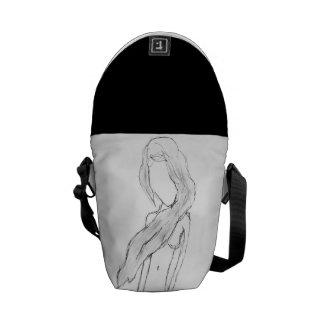 Den Artsy flickan skissar messenger bag